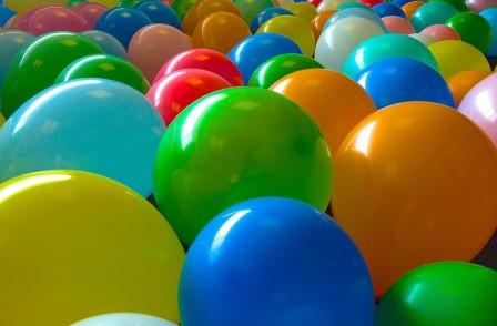 Gonfler un ballon avec du vinaigre blanc et du bicarbonate - Truc et astuce maison bricolage ...