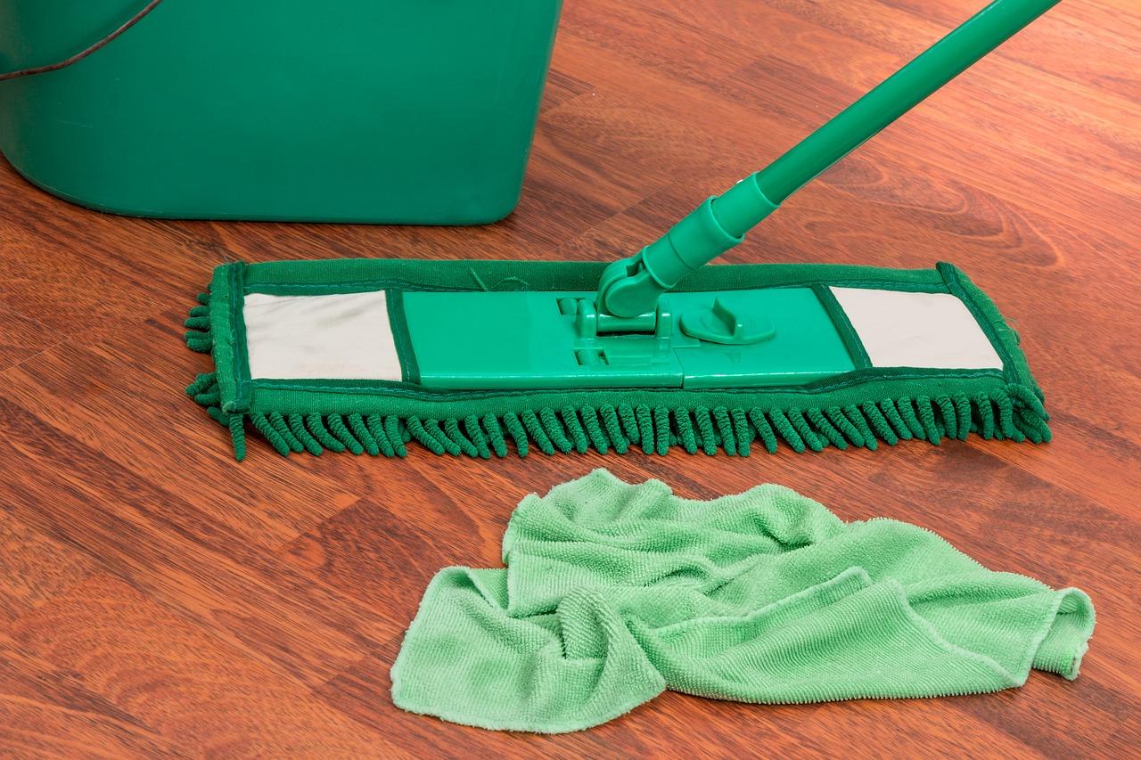 fabriquer son produit nettoyant pour le sol trucs et astuces maison. Black Bedroom Furniture Sets. Home Design Ideas