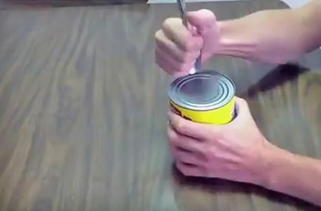 Comment Ouvrir Une Boite De Conserve Sans Ouvre Boite toutes les astuces pour ouvrir une boite de conserve sans ouvre